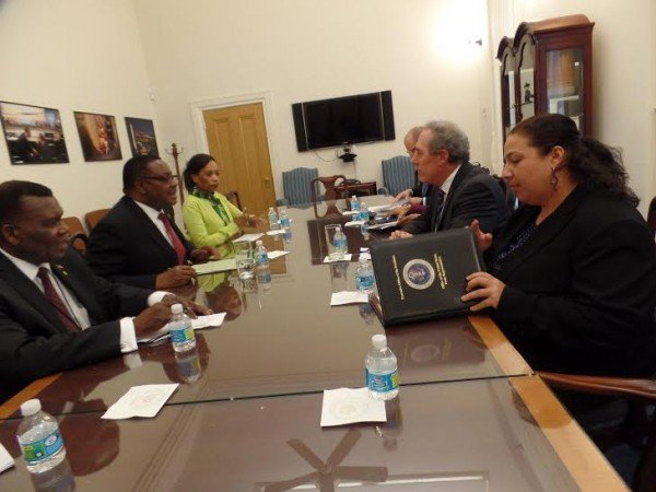 Mutharika during the meetings with US trade official