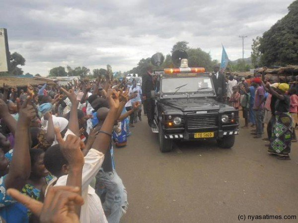 Lead vehicle on Mutharika's convoy with amber flash light on top