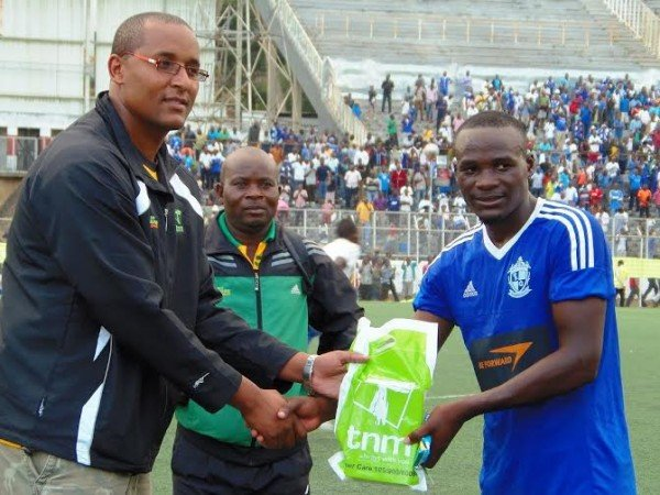 Sulumba receiving the man-of-the-match award....Photo-Jeromy-Kadewere