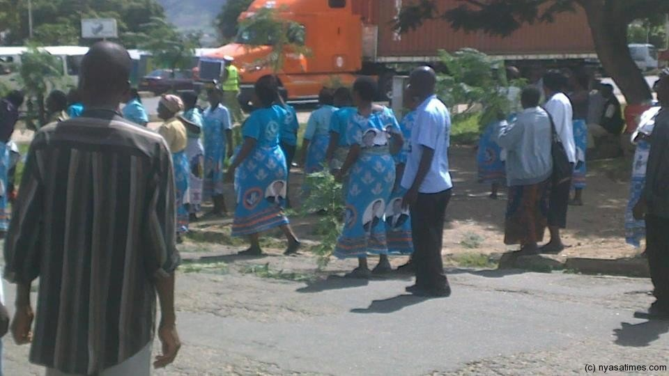 DPP supporters at police station